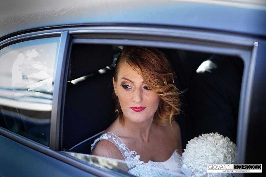 l'attesa della sposa in auto